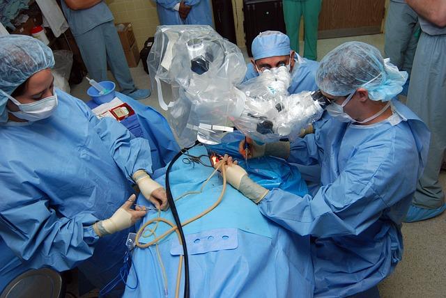 surgery-708507_640