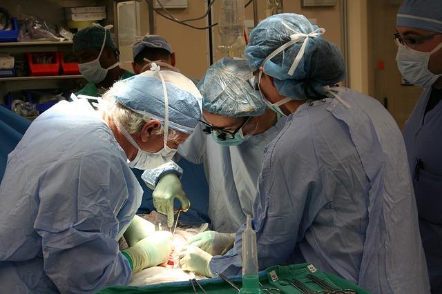 surgery-1049588_640